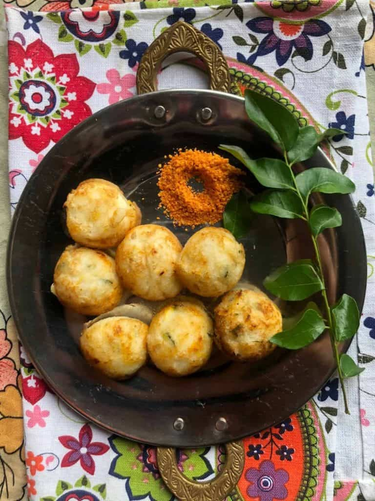 Gluten Free and vegan Rice and lentil dumplings shallow fried. Served in South Indian cuisine as a breakfast or snack. Served with a spicy Coconut or Tomato Chutney