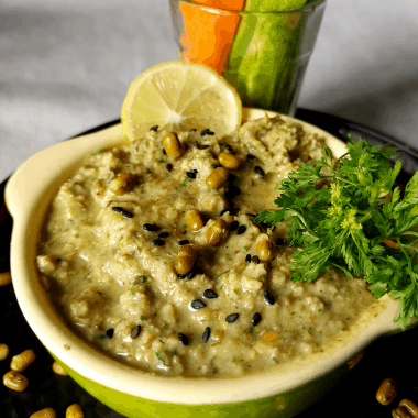Mung Bean Hummus (Moong Bean Hummus) is a healthy, low fat, low oil hummus or dip made with Whole Green Mung Beans and basic pantry spices.
